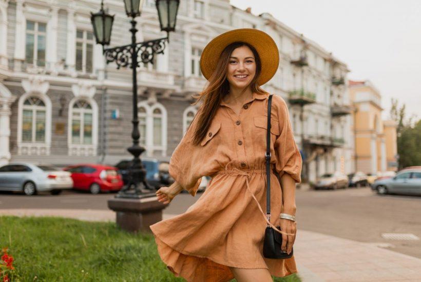 Modowy hit wiosny 2021: botki do sukienki!